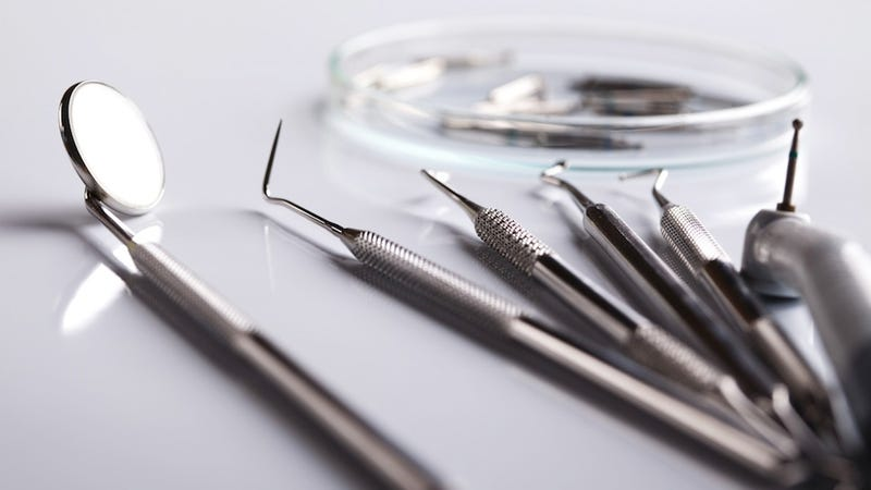 Horrifying Dentist's Office Used Rusty Tools, Exposing 7,000 to HIV, Hepatitis