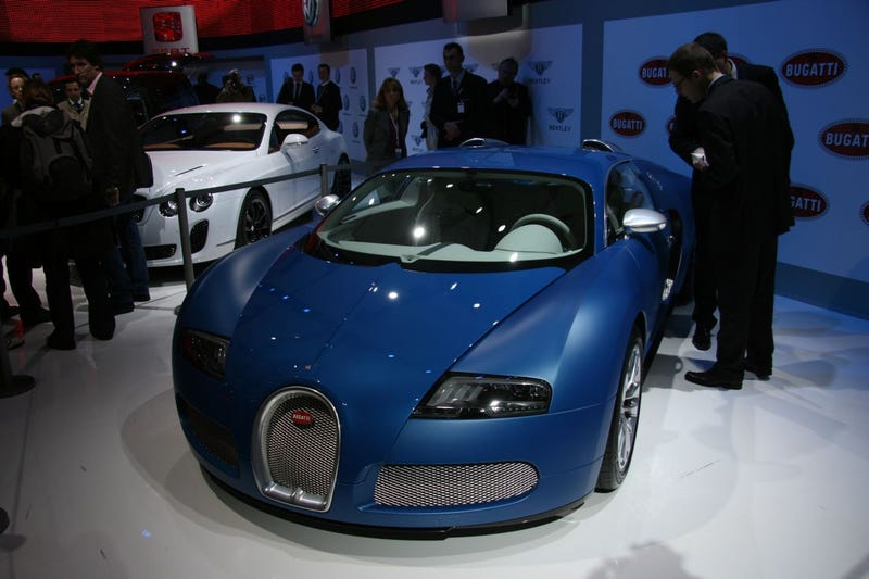 Bugatti Veyron Bleu Centenaire: No Special Engine, Just Paint
