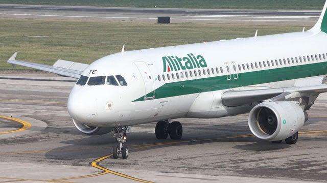 Man Tries to Divert Alitalia Flight to Libya