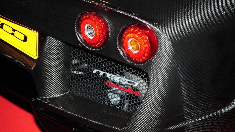 The All Carbon Fiber Noble M600 Looks Better Naked