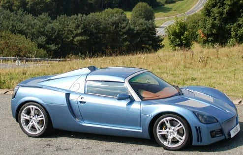 Caral V8XS Transforms Vauxhall VX220 Into V8-Powered Monster