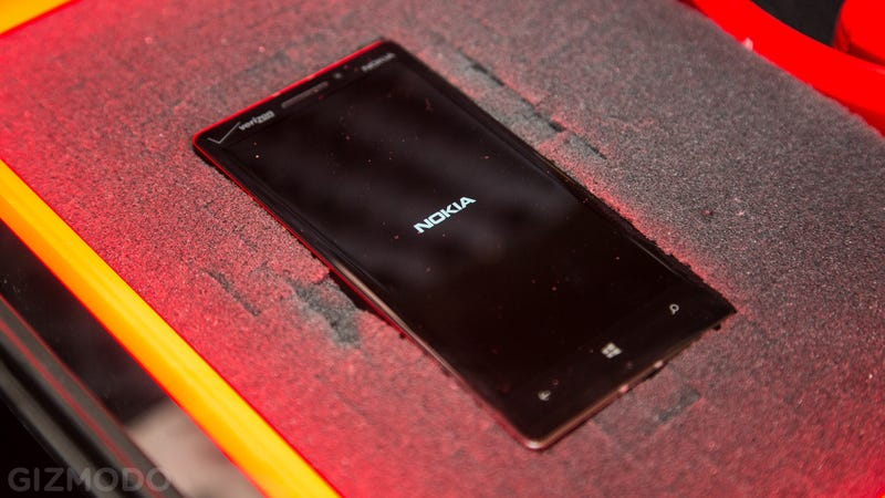 Nokia Lumia Icon: No Time For a Review, But the Box It Came In Is Nuts