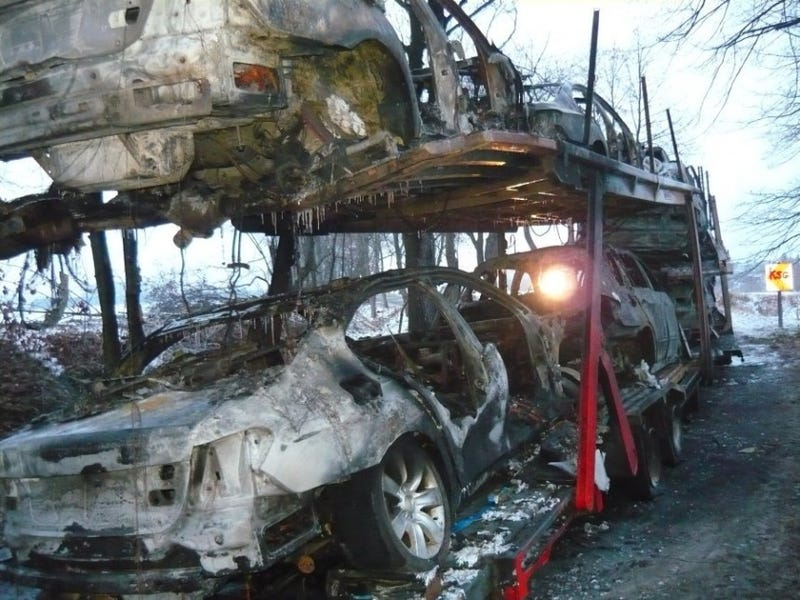 7 brand new BMWs burn down in lorry fire.