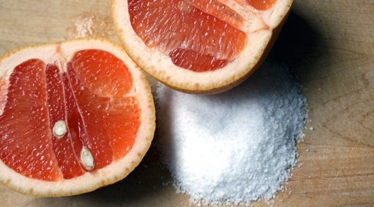 Clean Your Bathtub with a Grapefruit and Some Salt
