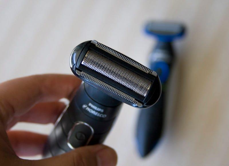 Philips Norelco Bodygroom Shaver BG2030 Review (It's Ballsier)