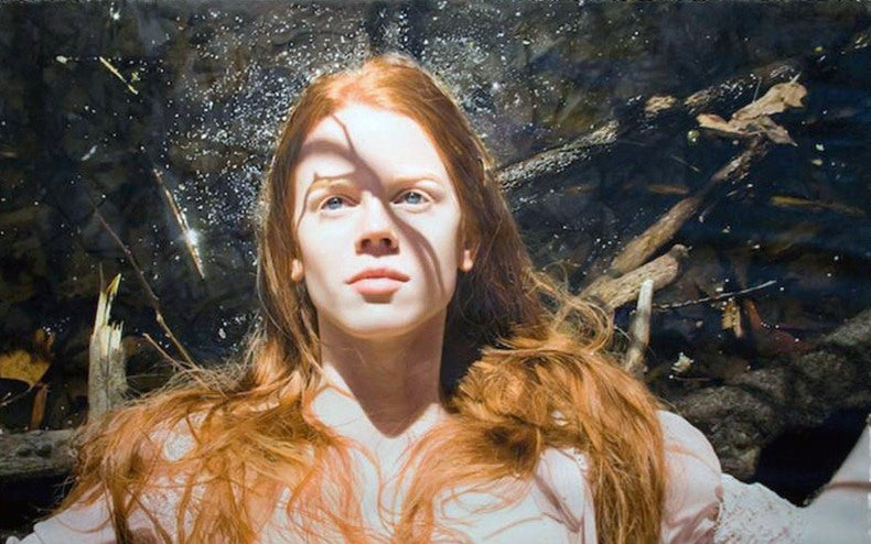 Sensual images of dreamy women are actually incredible oil paintings