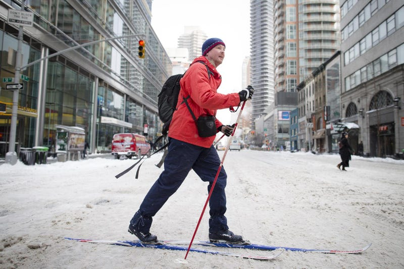 How to Traverse an Urban Snowscape