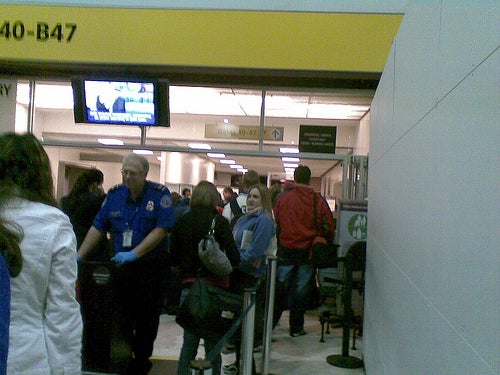 From the Tips Box: Airport Security Tricks, Customizable Email Notifications, and IM Etiquette