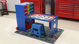 Best dad prize awarded for this transforming Lego building station
