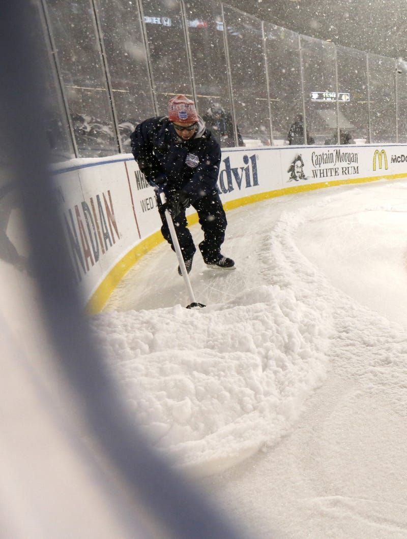 Penguins-Blackhawks Made For Lovely, Snow-Filled Photos