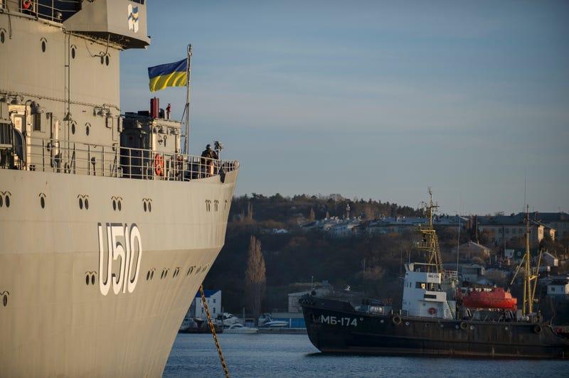 Russia Denies Issuing Ultimatum for Ukrainian Surrender in Crimea