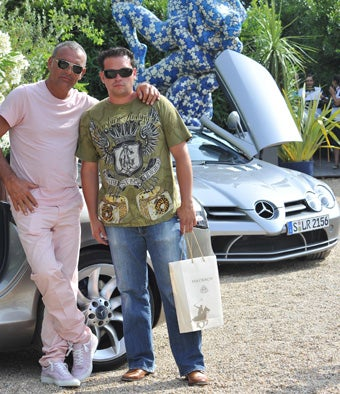 "Jon ""Midlife Crisis"" Gosselin Shops For Sports Car; Kourtney K. Is Pregnant"