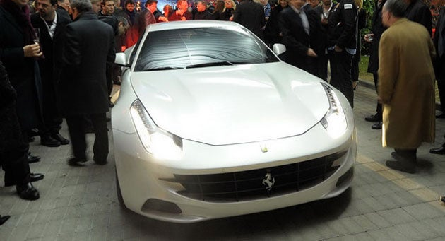 Ferrari FF shakes its tail in public
