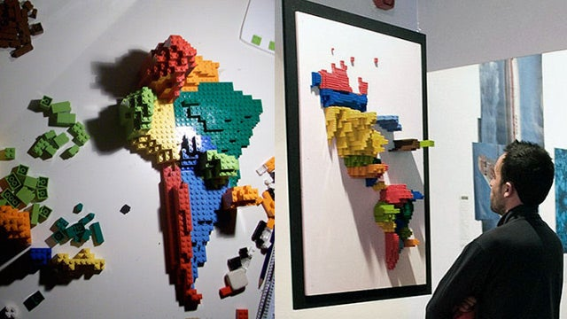 Building a 3D Infographic Brick by LEGO Brick