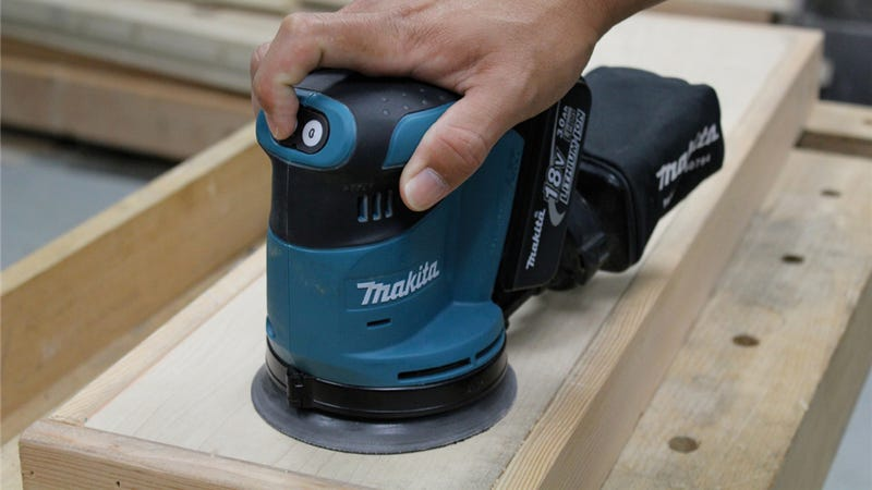 Behold: A Cordless 5-inch Random Orbital Sander, the Unicorn of Power Tools