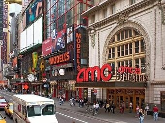 Popular Manhattan Movie Theater Shuts Down to Spray for Bedbugs