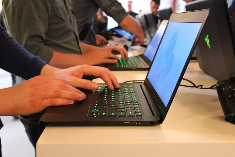 How Razer's New Ultrathin Gaming Laptop Compares To A MacBook Air