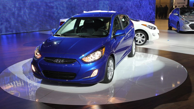 2012 Hyundai Accent is here to give Honda the Fits