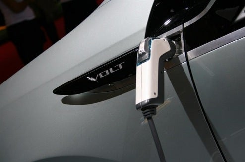 First Live Shots Of The Chevy Volt Plugged In