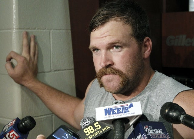 How Did Logan Mankins Play An Entire Season With A Torn ACL?