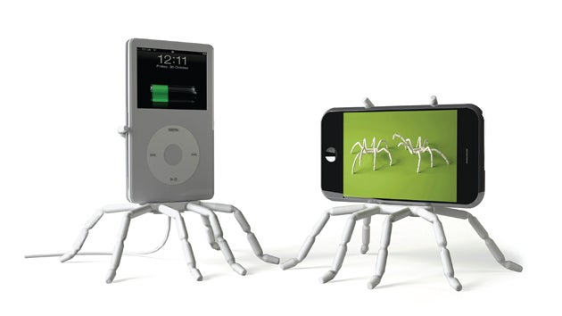 Spider Docks Cause Arachnophobic iPhone Owners All Sorts of Grief