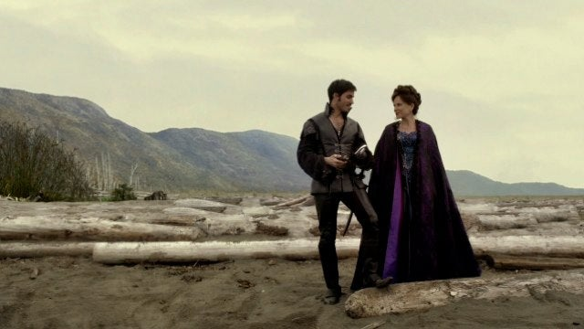 Once Upon A Time shows us how Captain Hook really lost his hand
