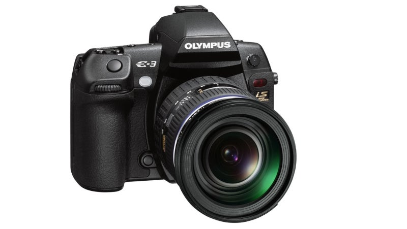 Olympus Unveils E-3 Digital SLR, Claims World's Fastest Autofocus
