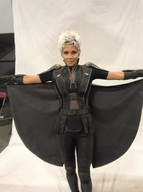 Storm got a haircut! First look at Halle Berry on the new X-Men set
