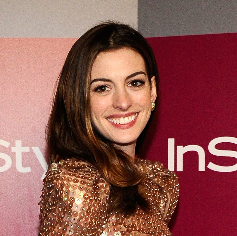 Anne Hathaway to Play Catwoman in Next Batman Movie