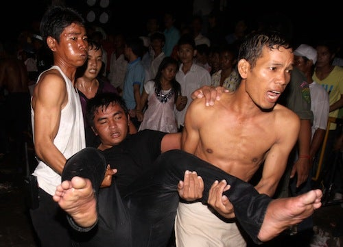 Stampede Kills at least 345 in Cambodia