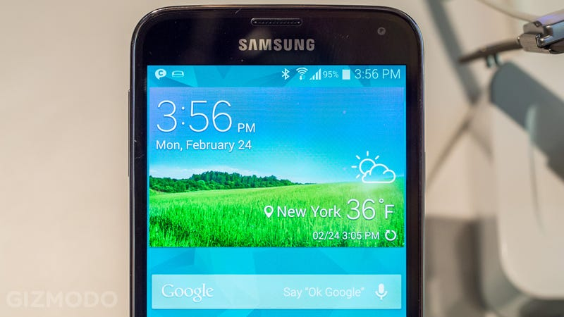 Samsung Galaxy S5 Hands On: A Tiny Dimpled Step Into the Future
