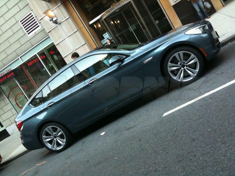 BMW 5-Series GT Caught Undisguised In Manhattan!