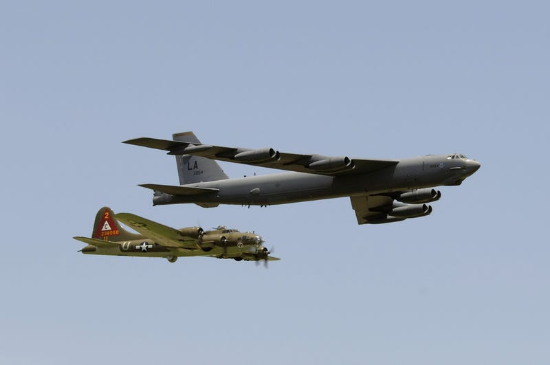 B-17 Flying Fortress and B-52 Stratofortress (Model bloat is a hell of a thing lolol)