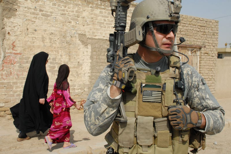 Obama Might Send SEALs, Green Berets to Iraq