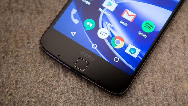 Moto Z Droid Review: Too Much Gadget, Not Enough Phone