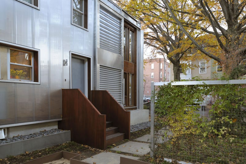 This Super Energy-Efficient House Is Made of Plastic