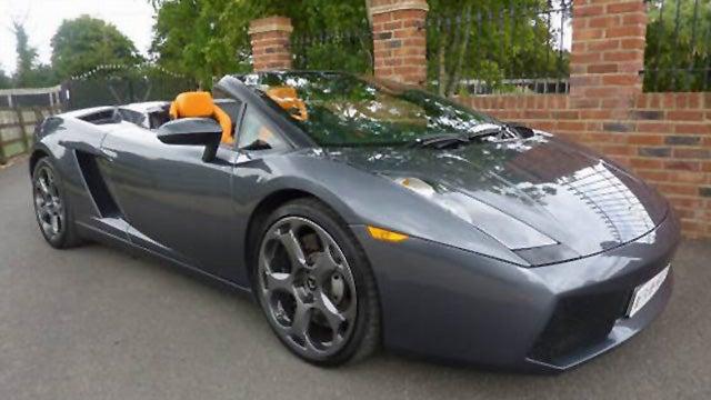 "Jeremy Clarkson's Lamborghini Gallardo Spyder gets a ""For Sale"" sign"