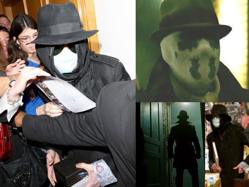 Confused 'Watchmen' Fanatics Mob A Terrified Michael Jackson At Local Book Store
