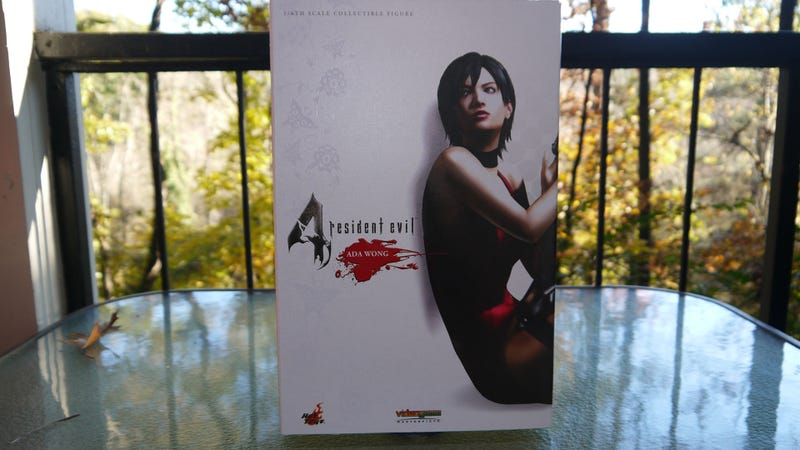 Hot Toys' Ada Wong Is Lovely, But Can She Pull Off That Dress?