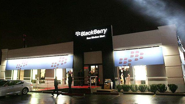 The Only US BlackBerry Store Might Be the Saddest Place on Earth