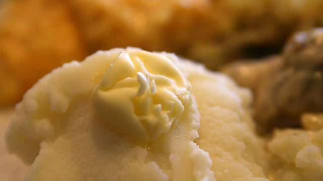 Make Extra-Fluffy Mashed Potatoes by Adding a Pinch of Baking Powder