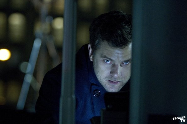 Fringe 'Brave New World, Part 1' Photos
