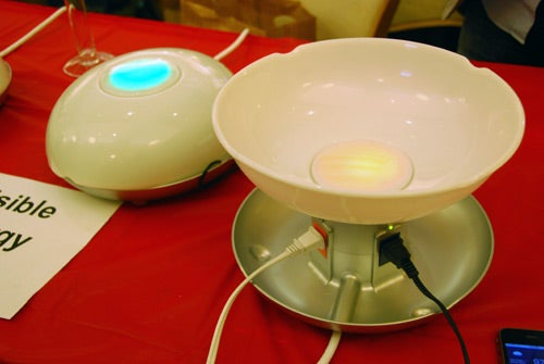 Visible Energy UFO Power Strip Gets Its Commands From Your iPhone