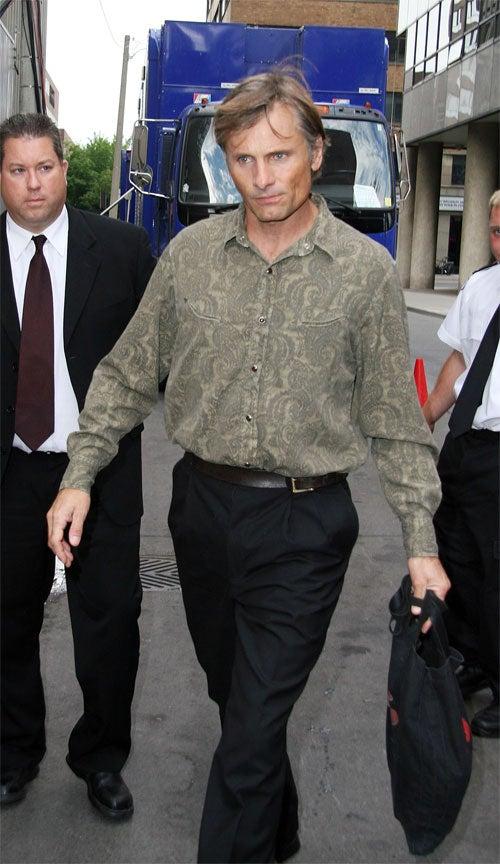 Viggo Mortensen Tucks And Runs