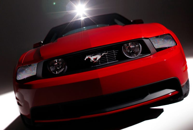 2010 Ford Mustang Convertible First Video