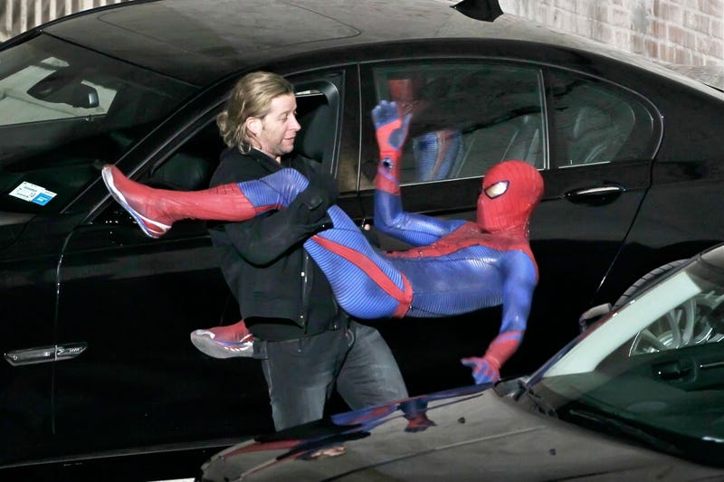 Is the new Spider-Man copying a scene from The Dark Knight?