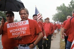 45,000 Verizon Workers Strike As Last-Minute Contract Negotiations Fall Through