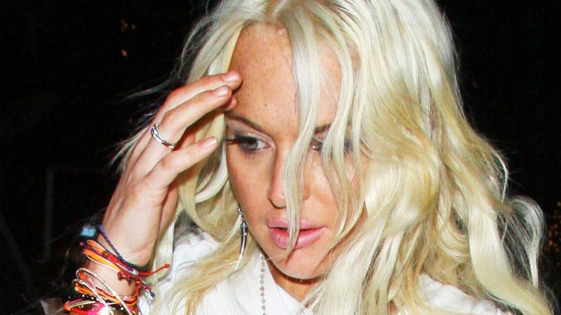 Sloppy Drunk Lindsay Lohan Cries and Screams Alone at a Bar