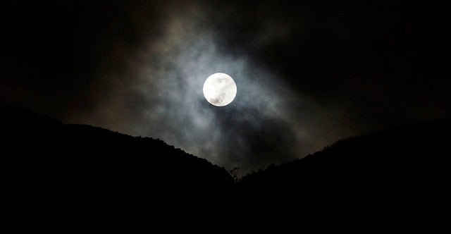 Show Us Your Photos of Last Night's Glorious Supermoon
