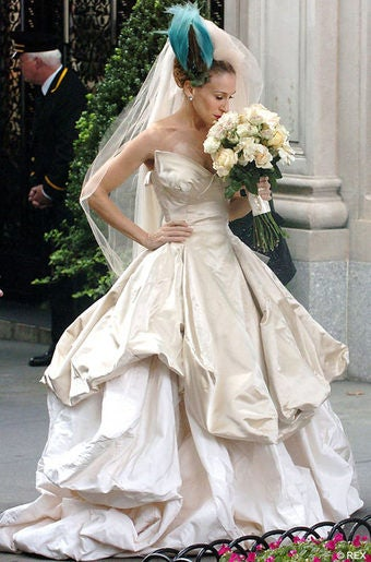 Sad nyc ladies will pay 15 000 for carrie 39 s bad luck for Paying for a wedding dress